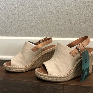 NWT TOMS Wedges